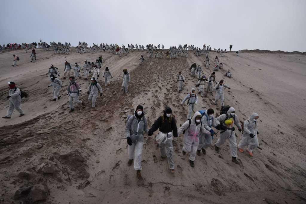Eine Gruppe von Klima-Aktivisten beim Versuch die Kohlegrube zu besetzen.