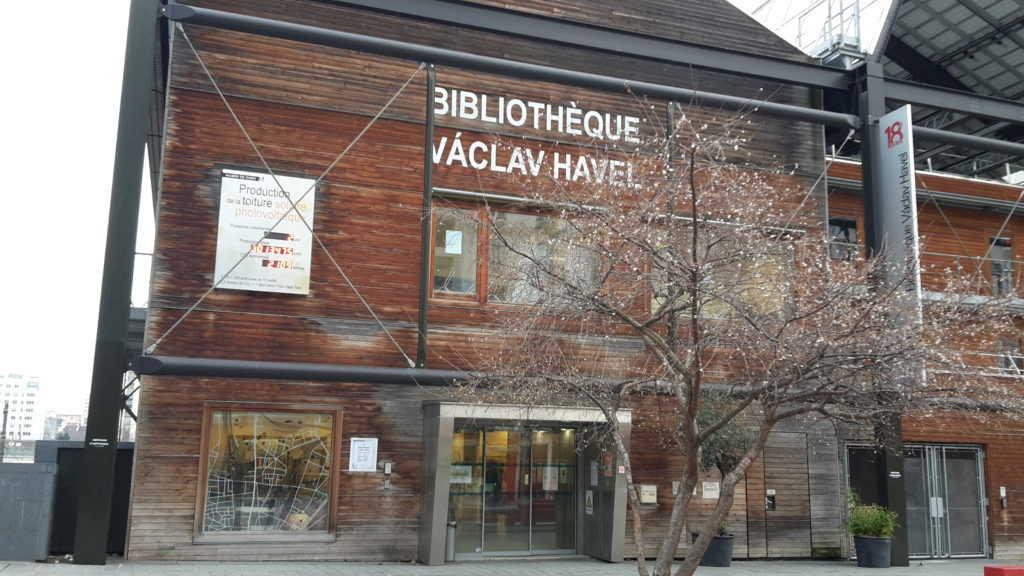 Bibliothèque Vacal Havel, rue Pajol, Paris, XVIII arrondissement